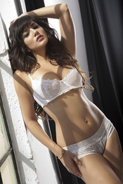 Sunny Leone Strips Off Her White Bra And Panties 03